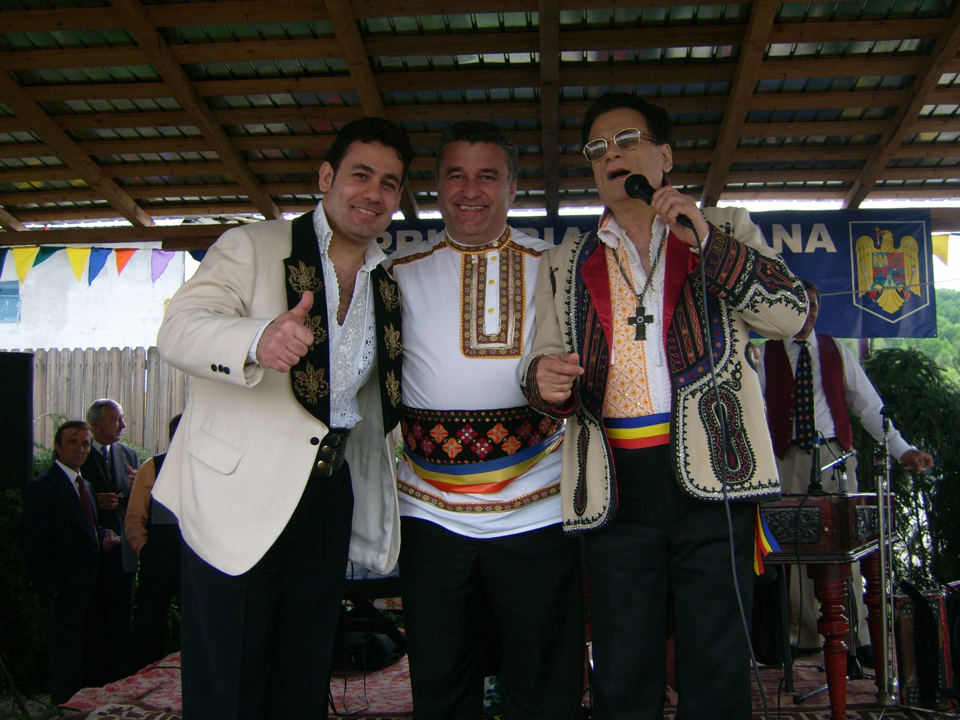 cei trei artisti-primarul ionut si ion dolanescu la sarbatoarea de paste
